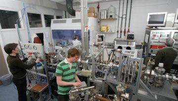 helium_microscope_lab_2008-01-31