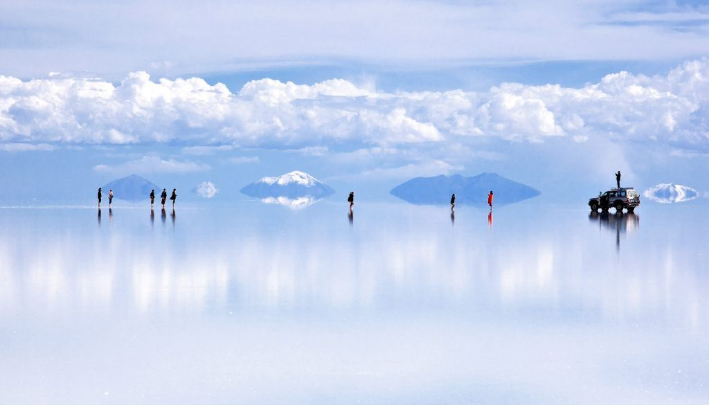 reflection-salar-de-uyuni-bolivia