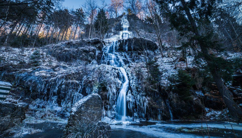 water-falls-view-2018360
