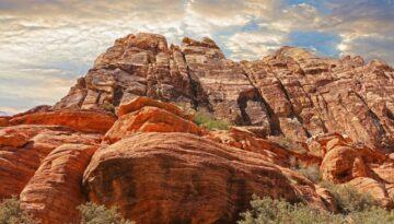 mountains-1303620_1280